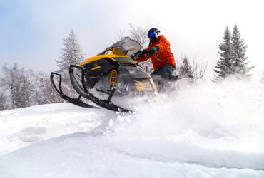 Skuter śnieżny – świetny pomysł na spędzenie czasu z pracownikami